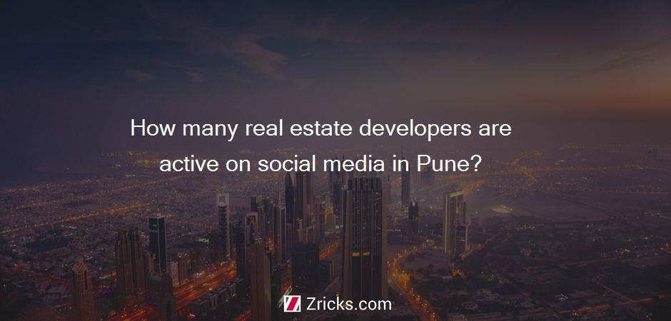 How many real estate developers are active on social media in Pune?