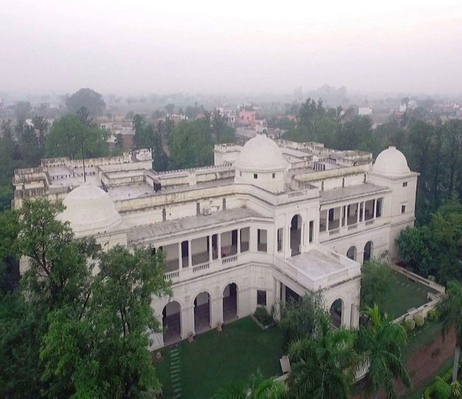 Nawab Saif Ali Khan s Palace worth Rs 750 Crore in Pataudi Photo