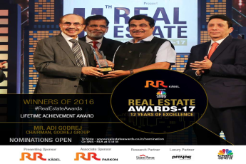 Mr Adi Godrej (Chairman, Godrej Group) receives the Lifetime Achievement Award at the Real Estate Awards